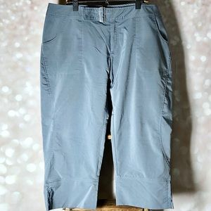 Lucy Grey Light Weight Capris